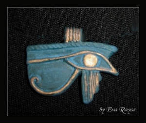 royal-blue-horus-eye-amulet.jpg